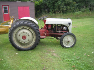 Ford Tractor with blade