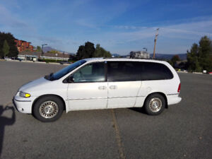 1997 Chrysler Town & Country Minivan, Van