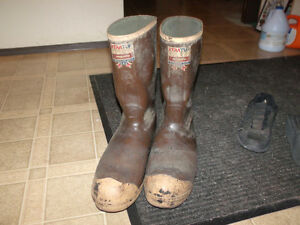 steel toed - csa approved - rubber work boots