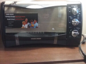 Brand New  *BLACK+DECKER TO1650SC 6 Slice Convection Oven
