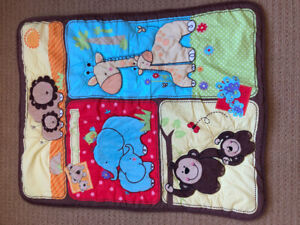Fisher Price Crib bedding set EUC