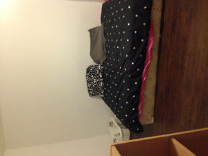 Nice room for rent by Holdom