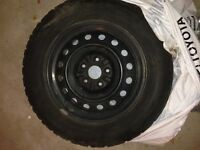 Pacemark Snowtrakker 4 winter tires 215/60 R16 with rims