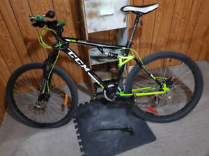 Good condition CCM SL2.0 Bicycle for sale!