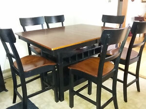 Pub Style Extendable Table With 6 Chairs