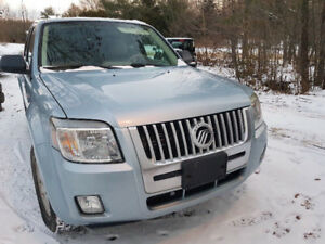 2008 Mercury Mariner 4X4 V6, low km on motor, $3500 firm