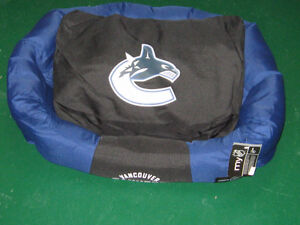 OFFICIAL NHL DOG BEDS – ½ PRICE SALE