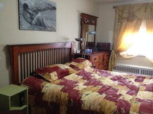 Très Grande chambre (11x17) fermée à louer ($435) 1ier Avril