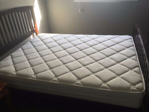 Queen Mattress+ Frame, like NEW!!!!