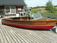 1963 Lakefield classic runabout 14 ft cedarstrip.