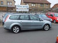 FORD FOCUS 1.6 ZETEC CLIMATE ESTATE 2004 54 reg GREAT SPEC