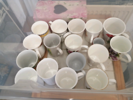 Cups box full