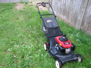 HONDA Engined Craftsman .Rear self propelled. inc.Gas Can!$298
