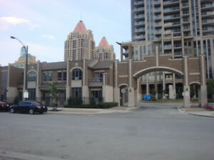 3 BR CONDO TOWNHOUSE  IN MISSISSAUGA AVLB FOR RENT
