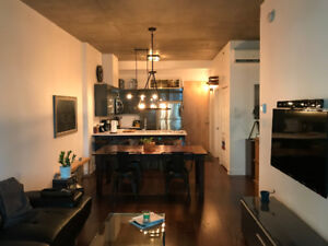 Move-in-ready condo - Heart of Griffintown - with parking