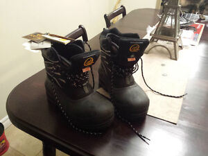 "BRAND NEW STEEL TOED WORK BOOTS, CSA APPROVED ""ABSOLUTE ZERO"""