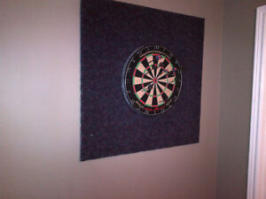 Dart Board and capeted 3ft x 3ft board comes with 6 darts.