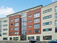 2 bedroom flat in Copenhagen Place, Limehouse E14