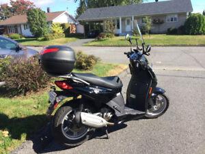 moto, scooter Aprilia, sporcity