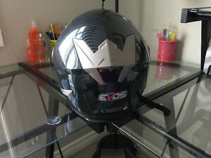 EVOS GENTLY USED MOTORCYCLE HELMET
