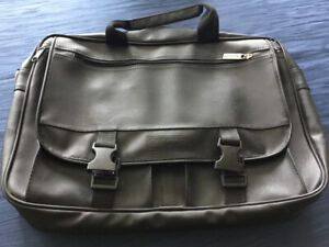 Laptop Carrying Case just like new