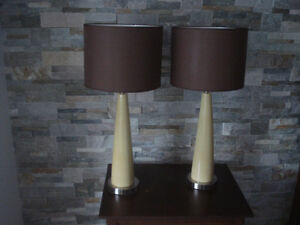 2 LAMPES DE CHEVET OU DE TABLE