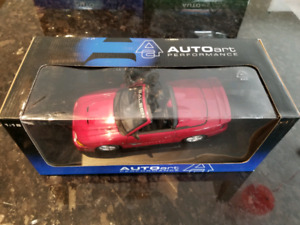 1:18 Diecast Autoart Saleen Ford Mustang S351 Convertible Red