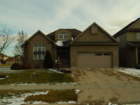 356 CREEKSIDE DR - HOUSE FOR SALE
