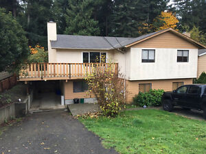 3 bedroom upper house in North nanaimo