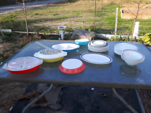 Assortment of Pyrex Dishes