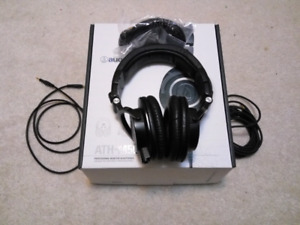 Audio Technica ATH M50Xprofessional monitor headphone