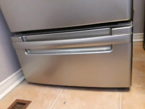 "Washer dryer 27"" pedestals"