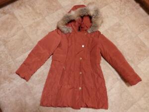 Bag of youth&women's winter jackets (Columbia, AA, London Fog..)