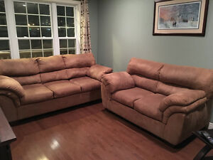 Couch/Love Seat Set