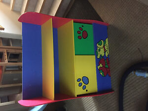 Kids shelf toy box great condition