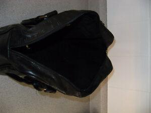 Sac Billabong en polyuréthane noir 13'' par 12'' par 4 '' Saint-Hyacinthe Québec image 5