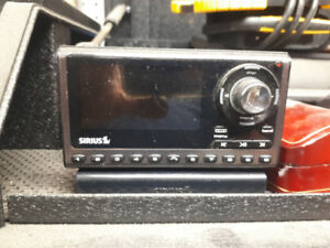Sirius Satellite Radio with car and home kit