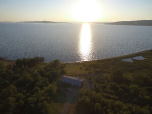 "Executive Bras d""Or lake cottage with 1000 beachfront"