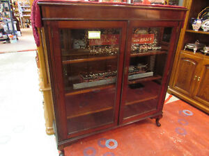 FANTASTIC ANTIQUE DISPLAY, CURIO CABINET