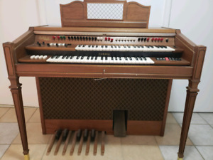 Electric Organ in very good condition