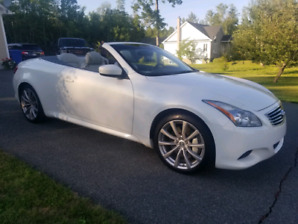 Infiniti G37S 2010 convertible hard top