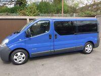 Renault trafic minibus