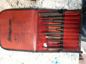 Snap on tool chisel punch set
