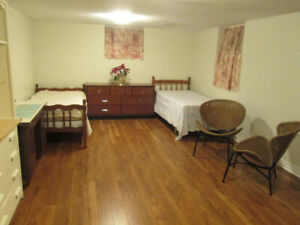 Basement Room Near Yorkdale for Pinay