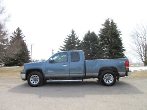 2011 GMC Sierra 1500 4x4- ONE OWNER & 4 BRAND NEW TIRES!!