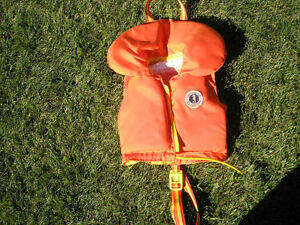 Kid's PFD- Mustang Floater Life Jacket - Size C - 30 - 60 lbs.