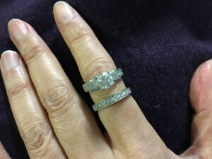 Stunning 1.75ct diamond engagement ring and band set $4800