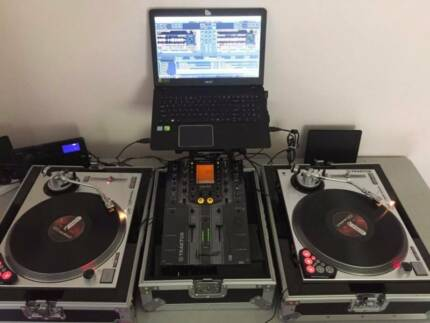 Full DJ Turntable set ready for battle and gigs