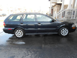 2001 Volvo V40 Wagon CERTIFIED E TESTED