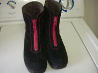 PAJAR Women Shoes Size 9.5. Good Condition..Expensive Brand-Neg